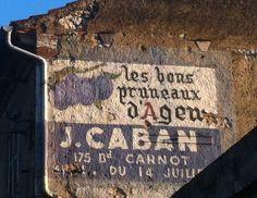 Vestige de publicité murale peinte (Route de Bordeaux)