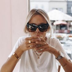 Read information on polarized prescription sunglasses Fitz Huxley, Top Photos, Pictures, Look At You, Facon, Fashion Details, Sunnies, Spring Fashion, Sunglasses Women