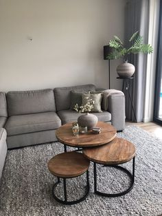 ✔️ 98 Small Living Room Decorating Ideas Enlarge Your Room With Decorating Techniques That Fool The Eyes 12 [ Simple Living Room Decor, Small Living Rooms, Living Room Modern, Home Living Room, Living Room Designs, Cozy Living, Apartment Living, Living Room Paint, Living Room Inspiration