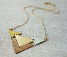íncríveis bijoux em madeira pra você se inspirar :)