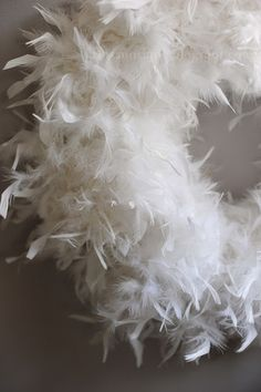 DIY Feather Wreath - White everything!
