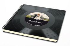 Hochzeitsgästebuch - Gästebuch Hochzeit aus Schallplatte - ein Designerstück von phonoboy bei DaWanda