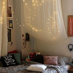 66 Inspiring ideas for Christmas lights in the bedroom! (image via Urban Outfitters)