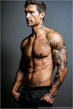 We've collected 55 Awesome Different Men's Tattoos to inspire you! We also have the meaning and symbolism behind the common men's tattoo designs. Half Sleeve Tattoos For Guys, Best Sleeve Tattoos, Sun Tattoo Designs, Tattoo Sleeve Designs, Trendy Tattoos, Popular Tattoos, Mens Tattoos, Tattoos Pics, Tattoos Gallery