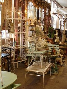 Pretty shabby-chic garden furniture