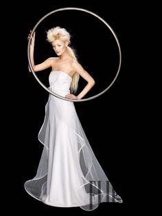 """Suzanne Ermann Ready to wear, 2009 - Bridal - """"Fidji"""" - http://www.flip-zone.com/suzanne-ermann-972"""