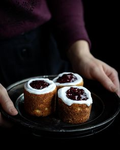 If you're a fan of cardamom, you will love Runeberg's Torte. This delicate cake is based on breadcrumbs & traditionally decorated with a raspberry kiss. Nordic Recipe, Rhubarb Tart, Gastronomy Food, Finnish Recipes, Apple Jam, Torte Recipe, Sugar Frosting, Tall Cakes, Raw Cake