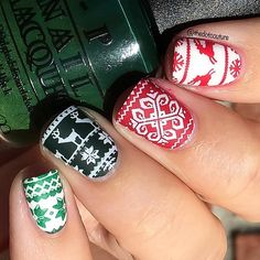 I can't get enough of Christmas sweater nails!!! This time in a more traditional Christmas palette. Click the link in my bio for my entire @cutegirlshairstyles Christmas Nail Art post! @opi_products Christmas Gone Plaid (green), Alpine Snow (white), @konad_art Red stamping polish.