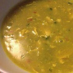 Kerriesoep is één van ons meest geliefde soepen en niet moeilijk om te maken Great Recipes, Soup Recipes, Snack Recipes, Healthy Recipes, Homemade Soup, Home Food, Soup And Salad, Tasty Dishes, Palak Paneer