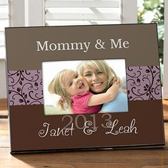 This Mommy & Me personalized frame is the perfect Mother's Day gift idea! You can personalize it to say anything! #Mom #MothersDay