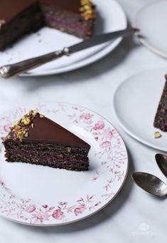 Torta sa makom i malinama - Prstohvat soli Cupcake Recipes, Baking Recipes, Cupcake Cakes, Dessert Recipes, Desserts, Kolaci I Torte, Croatian Recipes, Sweet Pie, Cake Decorating Techniques