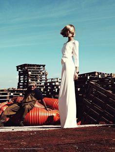 Karlie Kloss by Alexi Lubomirski for Vogue