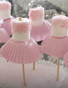 Super easy themed treat for a ballet party! No doubt in years to come I will be throwing one or 2 of these parties....