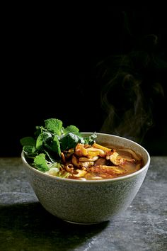 This Wagamama mushroom ramen recipe is a light take on a Vietnamese pho packed with earthy, smoky mushrooms and fresh fragrant herbs. For more protein, this dish works well with the addition of tofu. Vegetarian Ramen, Vegetarian Recipes, Healthy Recipes, Wagamama Ramen, Wagamama Recipe, Ramen Recipes, Gourmet Recipes, Copycat Recipes, Fungi