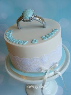 Engagement - Cake by Carol