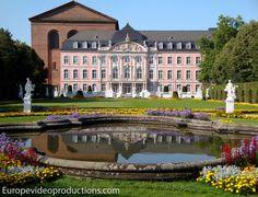 Tréveris en el valle del Mosela en Alemania: Palacio del Príncipe electoral