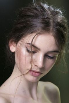 Added to Beauty Eternal – A collection of the most beautiful women. Added to Beauty Eternal – A collection of the most beautiful women. 3 4 Face, Trendy Haircuts, Short Haircuts, Black And White Portraits, Black And White Photography Portraits, Woman Face, Belle Photo, Most Beautiful Women, Pretty Face