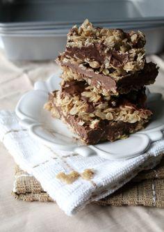 No-Bake Chocolate & Peanut Butter Oatmeal Bars