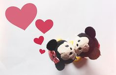 Lovely❣ Disney Tsum Tsum: Minnie and Mickey Tsumtsum, Disney Tsum Tsum, Im Crazy, Cute Couples, Snoopy, Instagram Posts, Cookies, Grey, Heart
