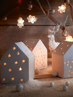 Houses to go with the Christmas trees.... what a wonderful idea ♥♡♥