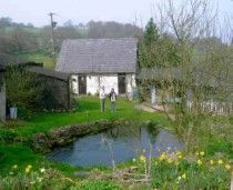 Middle Ninfa Bunkhouse, Abergavenny, Gwent, Monmouthshire - Self Catering Cottage Wales.