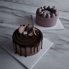 Chocolate World, Chocolate Lava Cake, Brown Aesthetic, Aesthetic Pastel, Aesthetic Themes, Kpop Aesthetic, Chocolate Cake Designs, Different Types Of Cakes, Simple Cake Designs