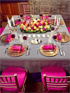 Hot Pink and Black Wedding ideas, pink, black, colorful, elegant  Here is the hot pink, I was talking about. But use a solid black table cloth