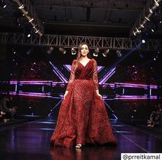 A step of courage, one step at a time in the direction.👠 Happy to have walked for @nikhitatandon at @uiinternationals at #chandigarh ♥️ Thank you @makeupbykavlinkahuja for making me look so pretty 😘 #chandigarh #fashionshow #showstopper #couture #nikhitatandon