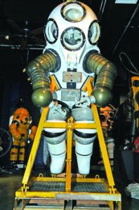 Check out this cool vintage deepwater diving suit on display at a Florida diving museum! Looks like a futuristic suit of armor! #DivingNews