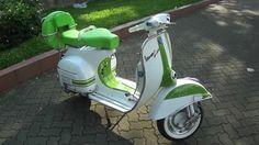 Classic Vespa VLB 150cc in White/Irish Green - ID: SV#0103 - www.starves...