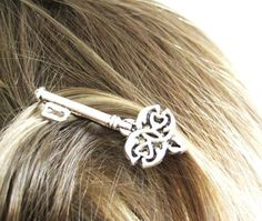 Throwback key hairclip! I'm sure the Founders would love it :)