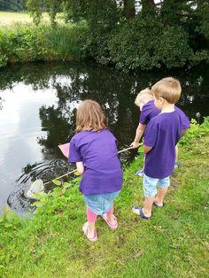 Bij Partou aan de Venlosingel in Arnhem gingen ze op zoek naar waterdiertjes in Sonsbeekpark.