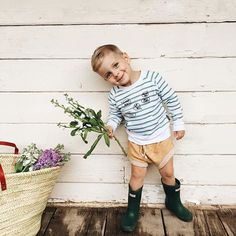 Toddler boy fashion - Fin & Vince pullover, Childhoods shorts and Hunter boots