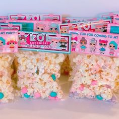 You are invited…to see the best LOL Surprise Doll party favors! Find the coolest party favor ideas for your upcoming LOL Surprise theme party. Get the perfect party favor that any child would love to take home as a gift from the party. Party Favors, Popcorn Favors, Party Treats, Popcorn Bowl, 7th Birthday Party Ideas, Birthday Fun, Surprise Birthday, Birthday Treat Bags, Festa Baby Alive