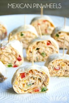 easy Mexican Pinwheels Recipe is a party favorite that's full of bright, bold flavors you'll crave!This easy Mexican Pinwheels Recipe is a party favorite that's full of bright, bold flavors you'll crave! Pizza Pinwheels, Tortilla Pinwheels, Chicken Pinwheels, Mexican Pinwheels Appetizers, Mexican Food Appetizers, Tortilla Pinwheel Appetizers, Cream Cheese Pinwheels, Pinwheel Recipes, Desserts