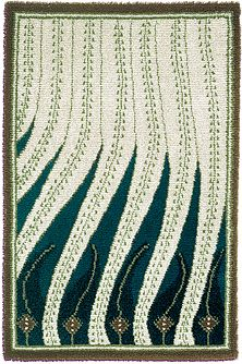 Finnish rug By Akseli Gallen-Kallela / Liekkiryijy rug stepping all over… Art Textile, Textile Prints, Textiles, Textile Design, Floor Cloth, Floor Rugs, Textures Patterns, Print Patterns, Rya Rug