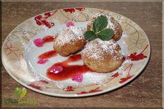 Gebackene vegane Topvenbällchen mit Zucker und Zimt / small baked vegan quark balls with sugar and cinnamon