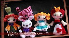Ohana Craft - Alice in Wonderland crochet amigurumi dolls Crochet Crafts, Crochet Dolls, Crochet Yarn, Crochet Projects, Crochet Disney, Amigurumi Patterns, Amigurumi Doll, Crochet Buttons, Crochet Patterns For Beginners