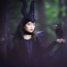 DIY Maleficent Costume | Your Costume Idea for Halloween, Mardi Gras and Carnival
