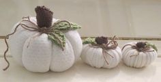 Handmade White Sweater Pumpkin Set of 3 by BlossomsandBliss Shabby Chic Homes, Shabby Chic Decor, Primitive Fall Crafts, Sweater Pumpkins, White Pumpkins, Different Textures, White Sweaters, Farmhouse Style, Fall Decor