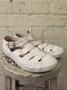 Vintage 1990s Keds Oatmeal/ Off White Cutout Buckle Sneaker Sandals Size 8.5