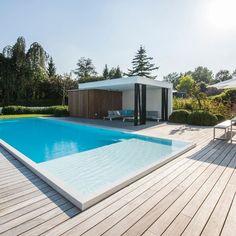 Padoek Terras met zwembad Hove (BE) Pool House Designs, Backyard Pool Designs, Swimming Pool Designs, Gazebo, Pergola Patio, California Backyard, Moderne Pools, Home Vegetable Garden, Pool Maintenance