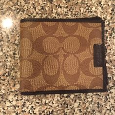 Authentic men's coach bi-fold wallet Never used, perfect condition. Coach Wallet, Small Leather Goods, Coach Bags, Wallets, Satchel, Buy And Sell, Purses, Fashion Design, Accessories