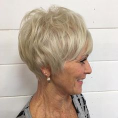 Classy Pixie Haircuts for Older Women. Do you know that there are some exclusive pixie haircuts that could make you sparkle as an elderly woman? Mom Hairstyles, Hairstyles Over 50, Short Hairstyles For Women, Latest Hairstyles, Hairstyles Videos, Pretty Hairstyles, Haircut For Older Women, Short Hair Cuts For Women, Medium Hair Styles