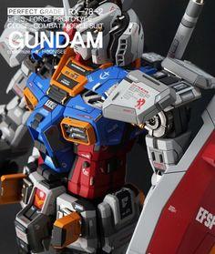 Custom Build: PG 1/60 RX-78-2 Gundam Ver. HOONISEE [Detailed] - Gundam Kits Collection News and Reviews Gundam Toys, Gundam Art, Plastic Model Kits, Plastic Models, Gundam Wallpapers, Gundam Mobile Suit, Gundam Custom Build, Sci Fi Armor, Gundam Seed