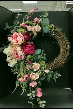 Kranz 50 Fresh Looking Homemade Spring Wreath Decorating Ideas for Front Door - Blumenarrangements im Haus Wreath Crafts, Diy Wreath, Wreath Ideas, Homemade Door Wreaths, Wreath Making, Grapevine Wreath, Christmas Tree Decorations, Christmas Crafts, Diy Christmas Home Decor