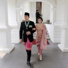 Tampil Anggun, Ini 10 Gaya Annisa Yudhoyono dalam Balutan Kebaya Kebaya Lace, Kebaya Hijab, Kebaya Brokat, Batik Kebaya, Kebaya Dress, Kebaya Muslim, Batik Dress, Model Kebaya Modern, Kebaya Modern Dress