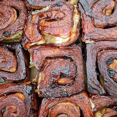 Want to get your hands on some of the largest cinnamon rolls Seattle has to offer? Get the scoop on this post! Seattle Food, Cinnamon Rolls, Trips, Hands, Desserts, Traveling, Tailgate Desserts, Viajes, Deserts