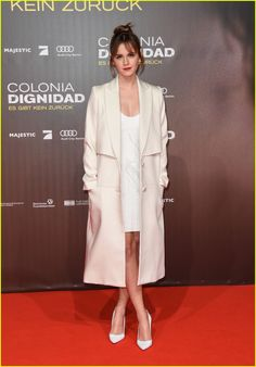 Emma Watson Shows Off New Bangs at 'Colonia' Premiere!: Photo #3569761. Emma Watson attends the premiere of her movie Colonia on Friday (February 5) at Potsdamer Platz in Berlin, Germany.     The 25-year-old actress and UN goodwill ambassador…