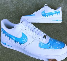 Snow flakes on a baby blue background with drips coming from the nike swoosh. what you get is a shoe painted with high quality acrylic paint and sprayed with a finish to ensure the paint stays permanent. Cute Nike Shoes, Cute Nikes, Nike Shoes Outfits, Cute Sneakers, Adidas Shoes, Jordan Shoes Girls, Girls Shoes, Shoes Men, Nike Shoe Store